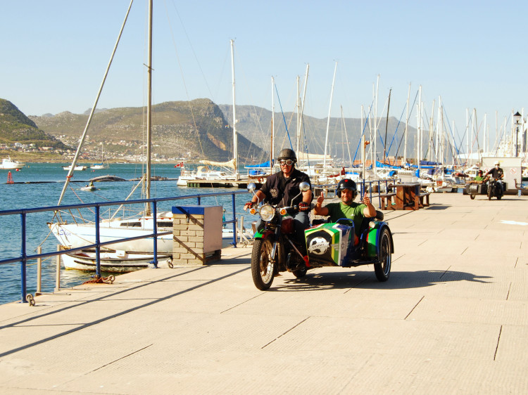 Cape Sidecar Adventures - Chauffeured sidecar motorbike tours in Cape Town.