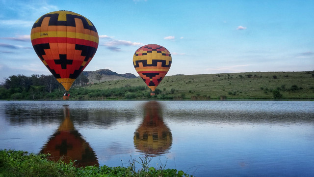 Balloon Flights in the  Cradle of Humankind