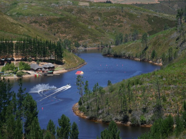 Waterskiing Course - Mofam River Lodge