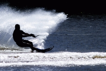 Waterskiing1