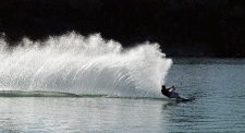 Waterskiing2