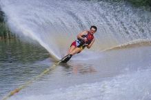 Waterskiing4